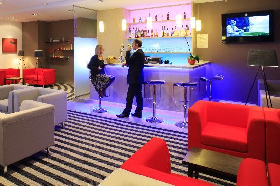 Novotel Nantes Centre Bord de Loire : Bar