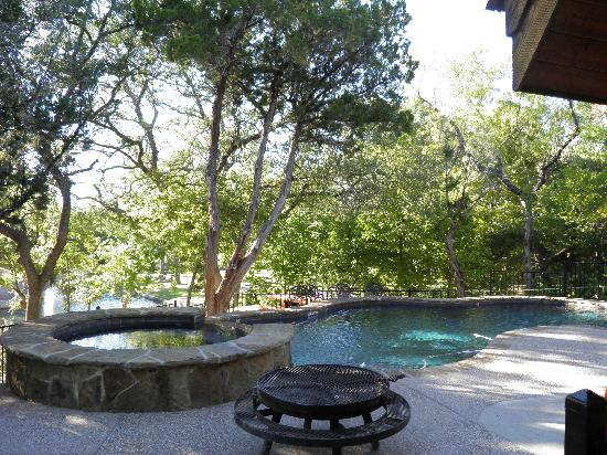 Log Country Cove: The pool/hot tub at The Flying V