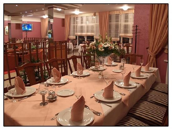Hotel Dakovo: restaurant