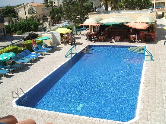 Napa Prince Hotel Apartments : Nice pool & Area