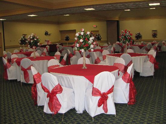 Quality Inn & Suites: Banquet room