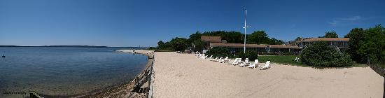 South Jamesport, Nova York: Our bayfront location.
