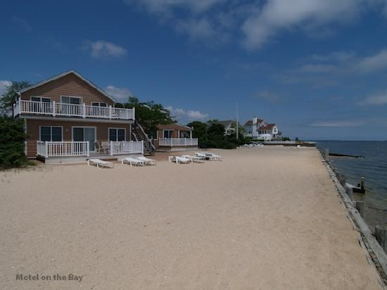 Jamesport Bay Suites: All just steps from the beach.