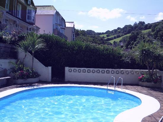 Poplars Hotel: The Pool