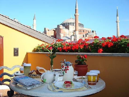 Four Seasons Hotel Istanbul at Sultanahmet : One of our 3 balconys from our upgraded presidential suite