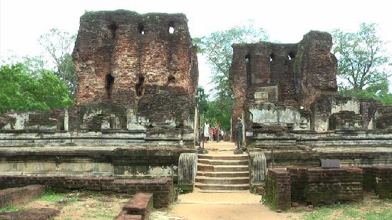 Polonnaruwa, Sri Lanka: Palace of King Parakramabanu