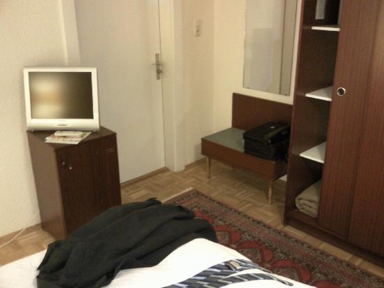 SternHotel Bonn: In Room Entertainment