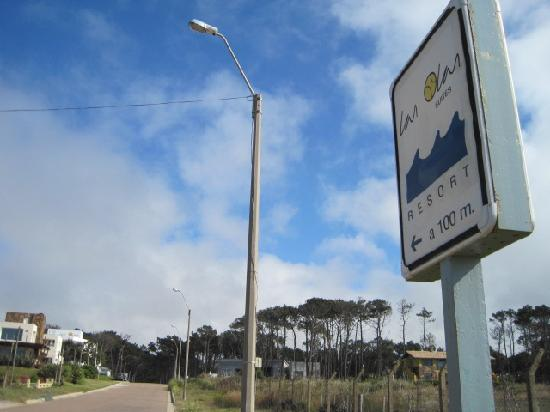 Las Olas Resort Hotel Punta Del Este: Sign of the main road.