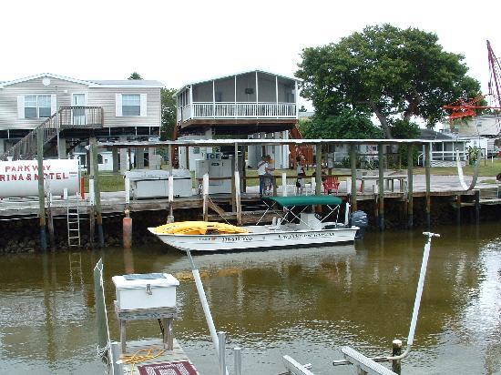 Parkway Motel & Marina: Marina area