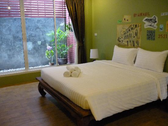 Feung Nakorn Balcony Rooms & Cafe: Bedroom