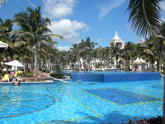 Hotel Riu Palace Riviera Maya: pool