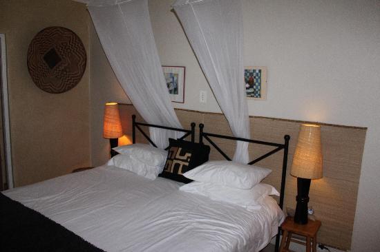 Mountain Magic Garden Suites: inside the bedroom