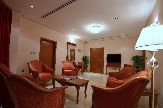 Al Madina Suites: Sitting Area