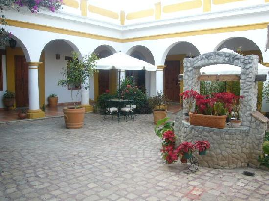 Hotel Casa Margarita : Patio