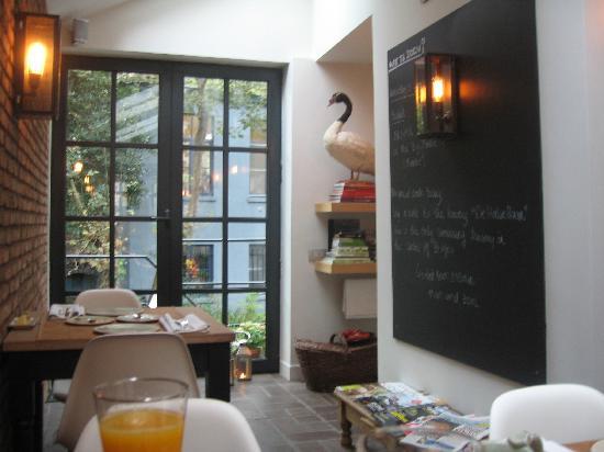 Huis Koning: breakfast tables