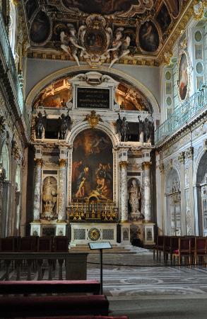 Fontainebleau, France : Chapel