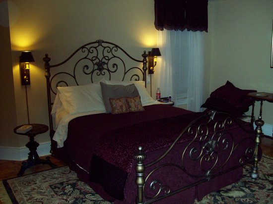 Everheart Country Manor : Riverview Suite