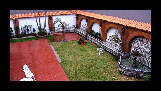 HQ Villa Hostel: Garden