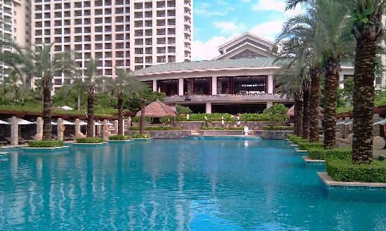 Howard Johnson Resort Sanya Bay: Main Pool