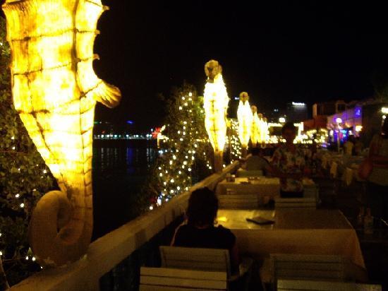 ナンヌアル - Picture of Nang Nual Pattaya Restaurant, Pattaya Photo: ナンヌアル