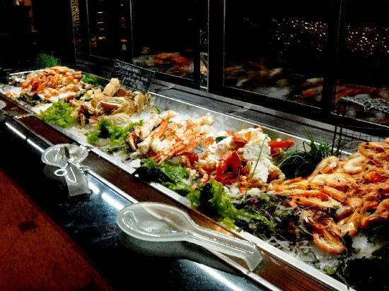 Melba Restaurant: The Seafood Bar: Alaska king crab is highly recommended