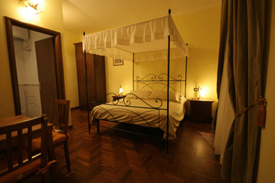 Ancient Romance B&B: Trilussa Room