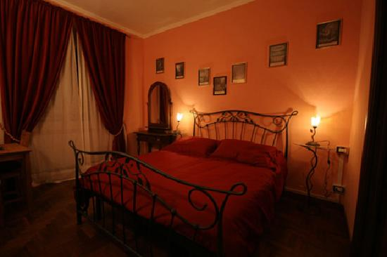 Ancient Romance B&B: La Divina Commedia Room