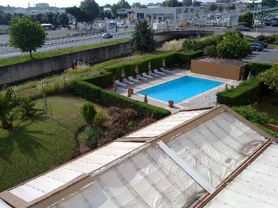 Kyriad Cannes Ouest - Mandelieu : La vue depuis ma chambre