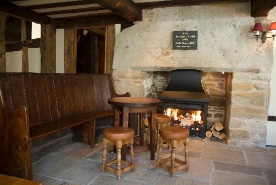 Three Tuns: Huge Inglenook Fireplaces