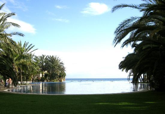 Lopesan Costa Meloneras Resort, Spa & Casino: The infinity pool