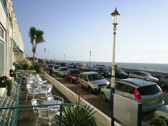 Bay Majestic Eastbourne Hotel: view from front of hotel