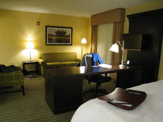 Hampton Inn & Suites Mahwah: View of sitting area