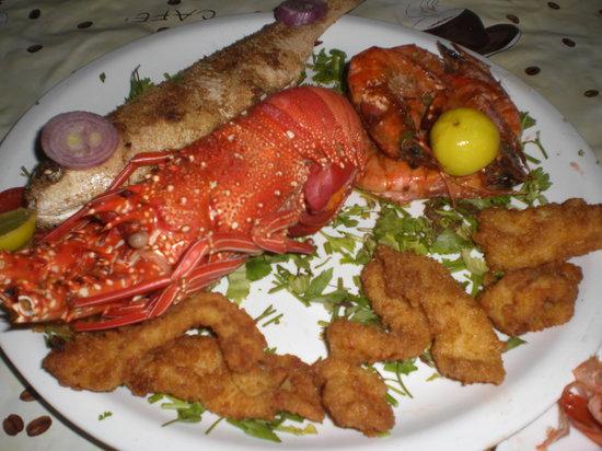 4 corners coffeeshop: seafood dinner