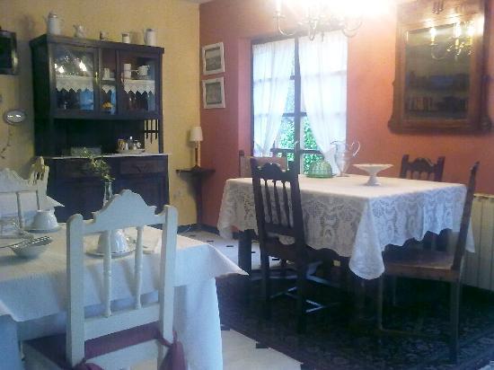 Hotel Rural Cabo Busto: Sala de desayunos.