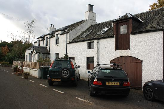 Wester Caputh Steading Hostel: the cottage