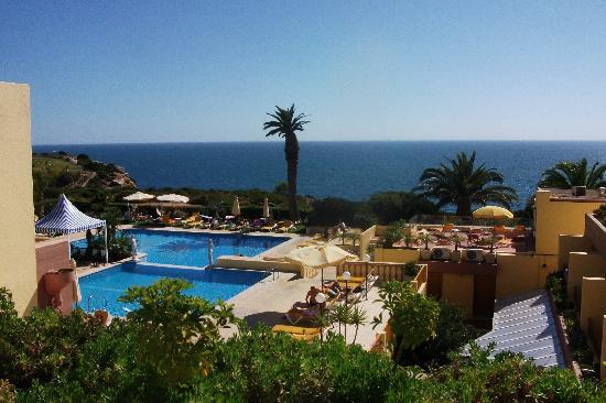Hotel Baia Cristal: pool area