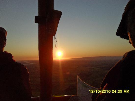 Up, Up And Away Hot Air Balloon: Magical, so still and serene, beautiful views