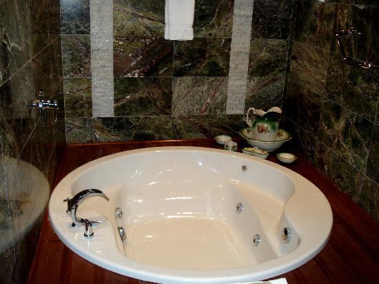 Aranwa Cusco Boutique Hotel: Habitaciones con hidromasaje... yeah!