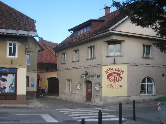 Hotel Garni Paleta: sulla strada
