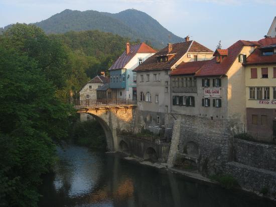Skofja Loka, Slovenia: dal fiume