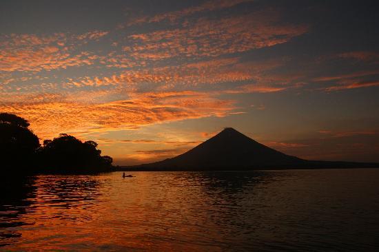 Little Morgan's : view of volcano