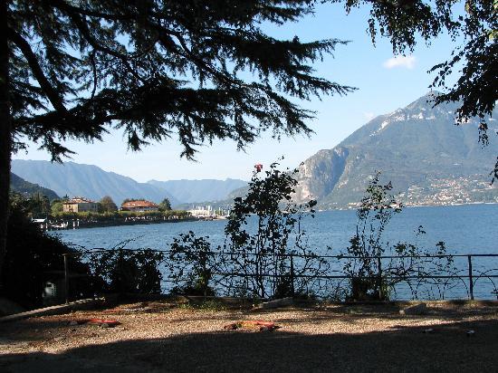 Bellano, Italia: Blick vom Hotel auf den See