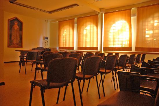 Oasi Sacro Cuore: sala santa chiara