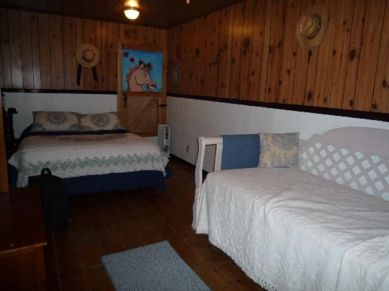 The Aspen Inn: Bedroom 1