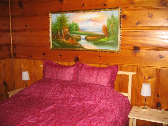 Lakewood Cabins at Big Bear Lake: Cozy Room
