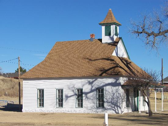 Boys Ranch  Oldham County, Teksas: The original Tascossa Schoolhouse