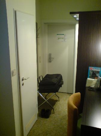 Zimmer - Picture of Hotel Loccumer Hof, Hannover - TripAdvisor