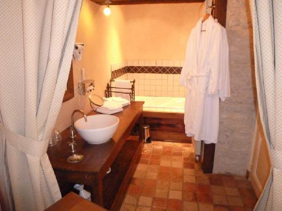 Hôtel Auberge de la Beursaudière : Bathroom 2
