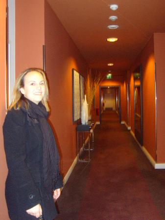 Adina Apartment Hotel Berlin Checkpoint Charlie: Upstairs Corridor