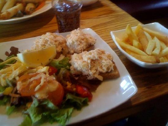 Danny Mac's : Open-face crab sandwich and chips...another winner